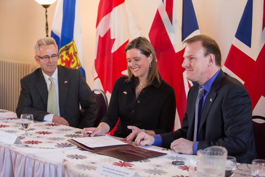 FROM RIGHT: Energy Minister Andrew Younger, British Deputy High Commissioner to Canada Corin Robertson, on behalf of the Technology Strategy Board, and executive director Stephen Dempsey of the Offshore Energy Research Association of Nova Scotia smile whi