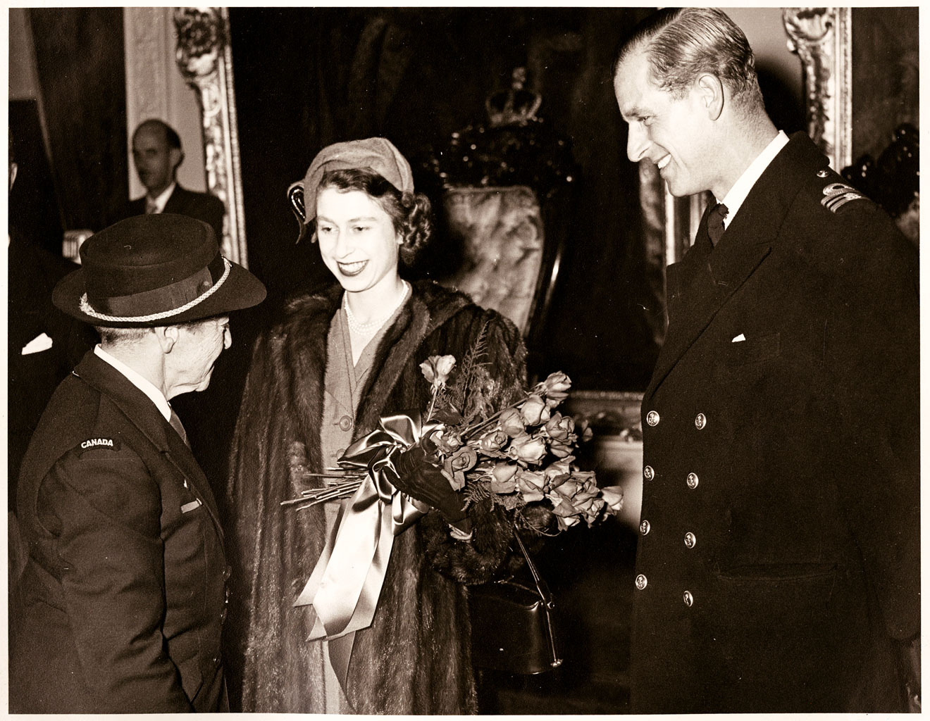 Her royal highness queen elizabeth ii shaking her big honking flopping granny knockers - 2 8
